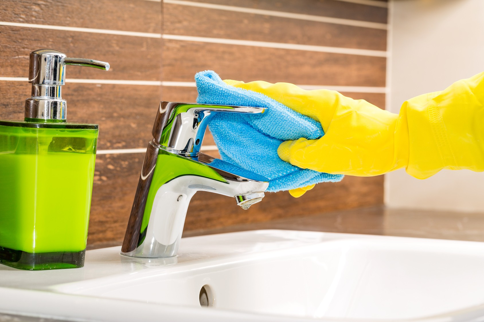 Bathroom Mold Removal: You Need It For Your Health
